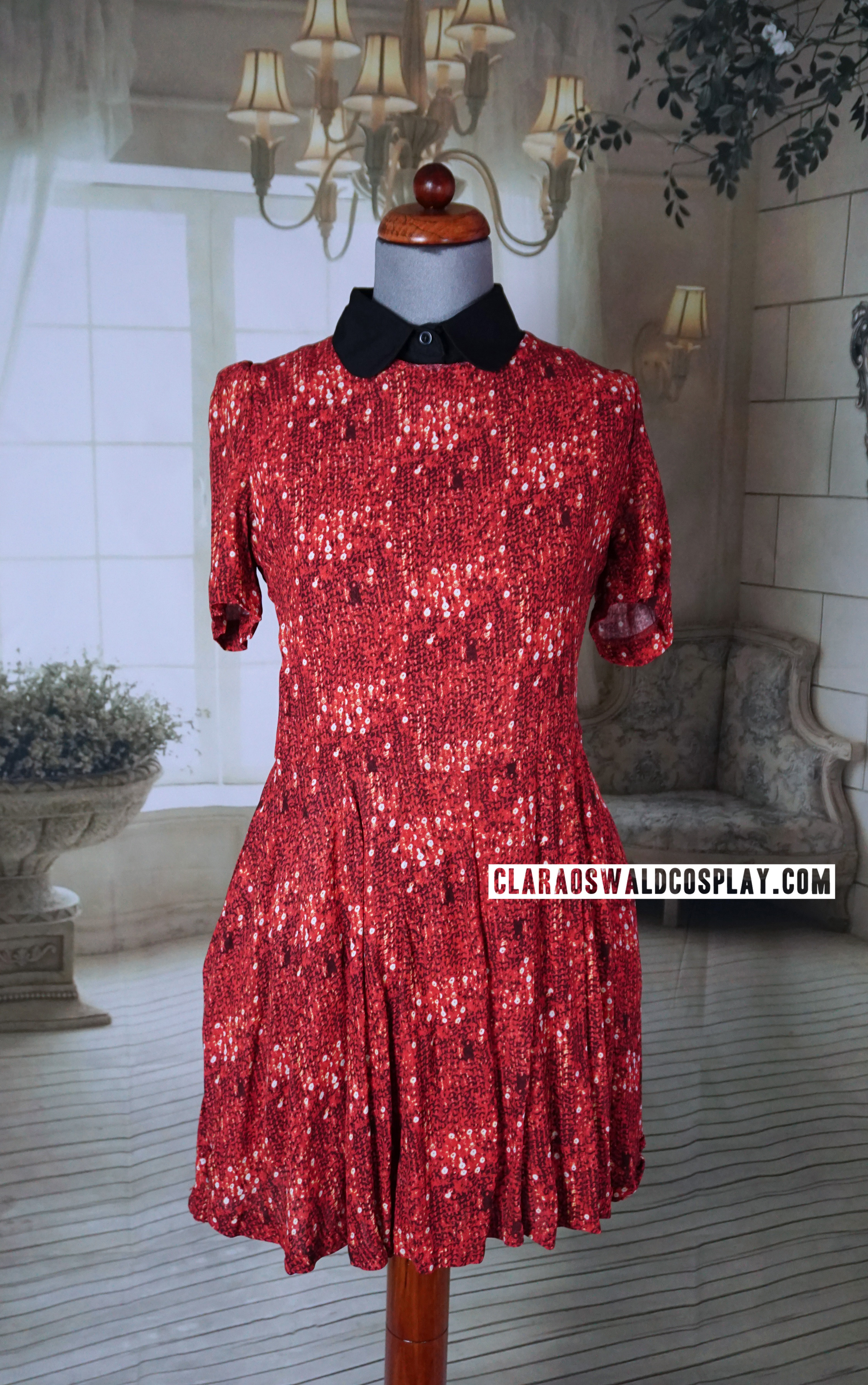A closer look at the Urban Outfitters Vaudeville & Burlesque Fit & Flare Dress from JTTCOTT