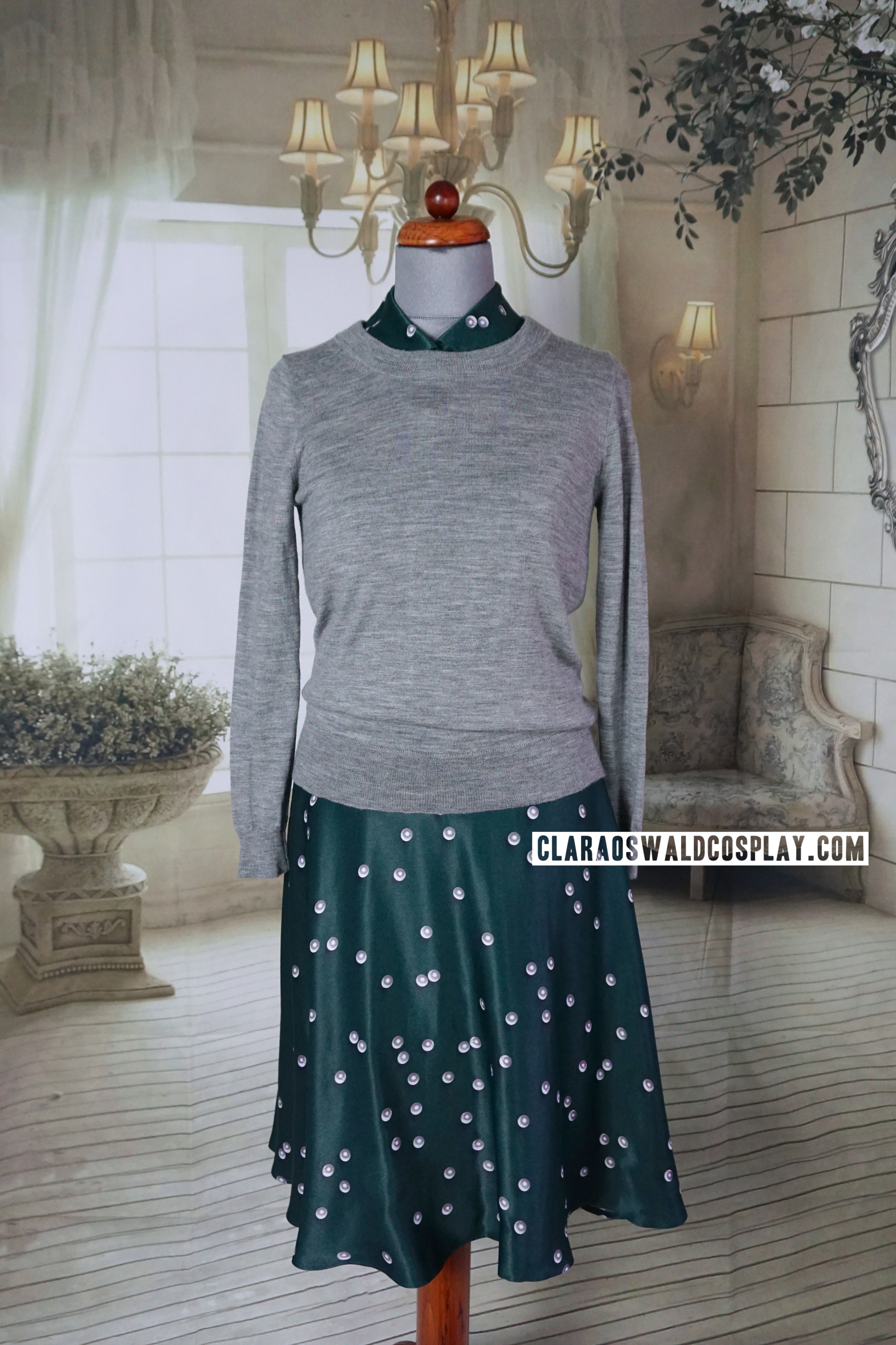 Clara Oswald's Magician's Apprentice / Witch's Familiar outfit featuring the &Other Stories Pearl Print Dress and J.Crew Merino Jumper in Heather Smoke