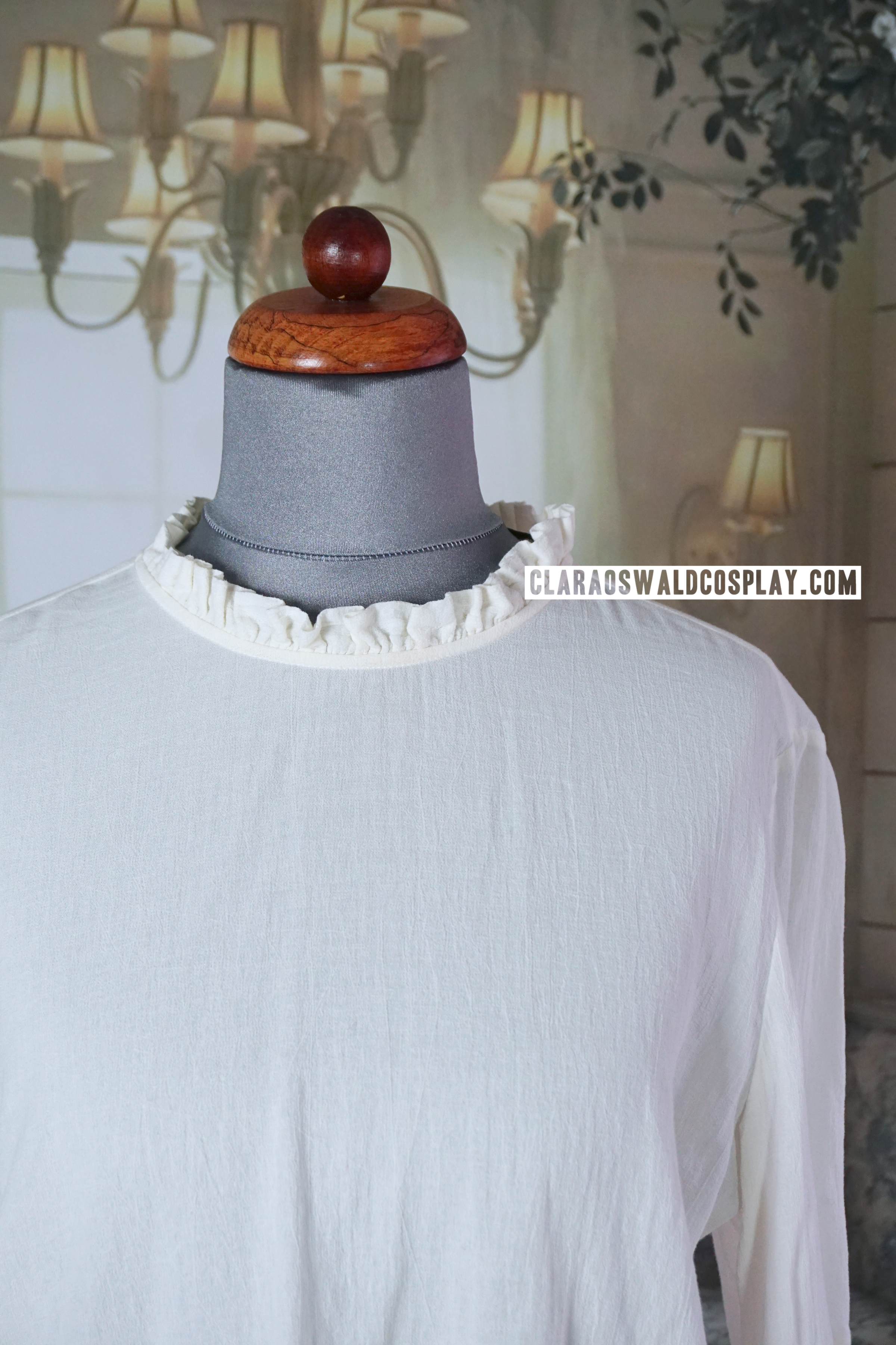 A closer look at the neck part of the blouse