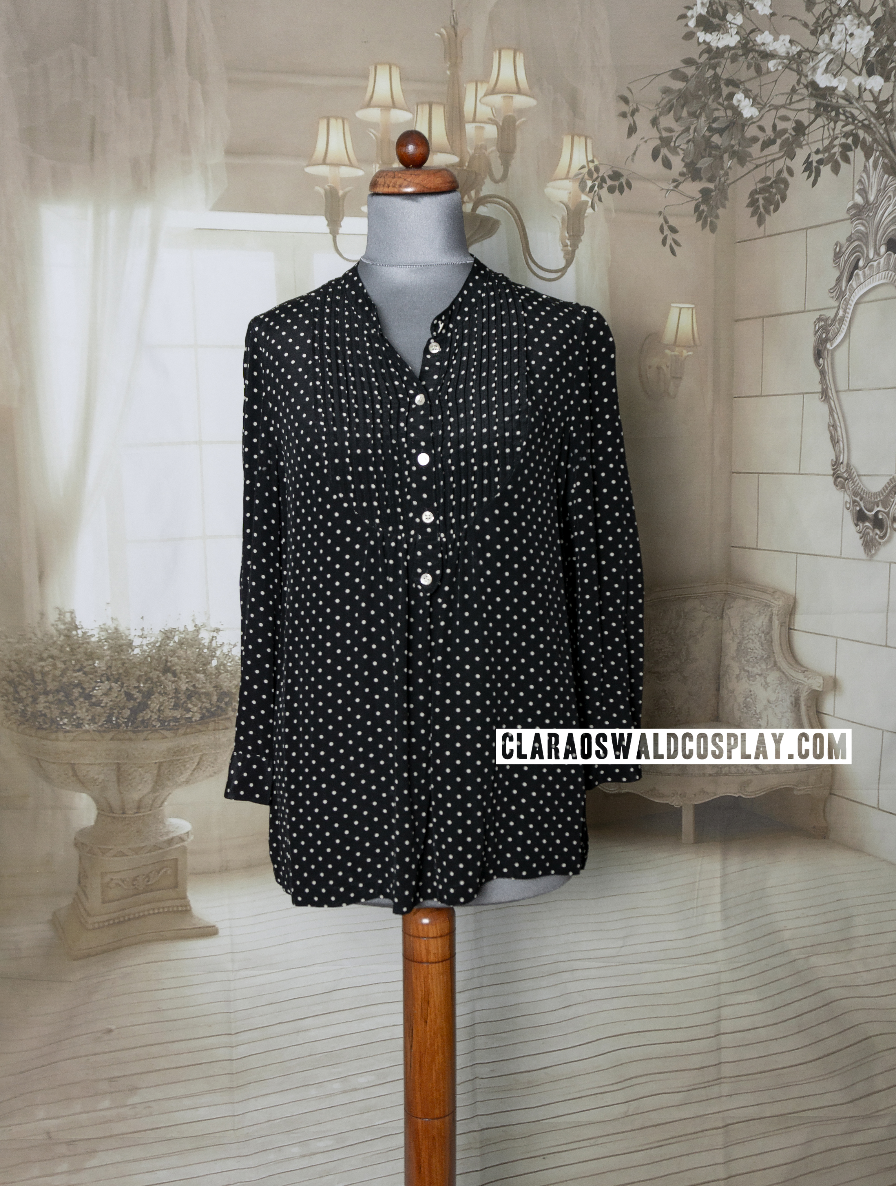 Clara Oswald's Jigsaw Bib & Tap Blouse when it's not tucked in